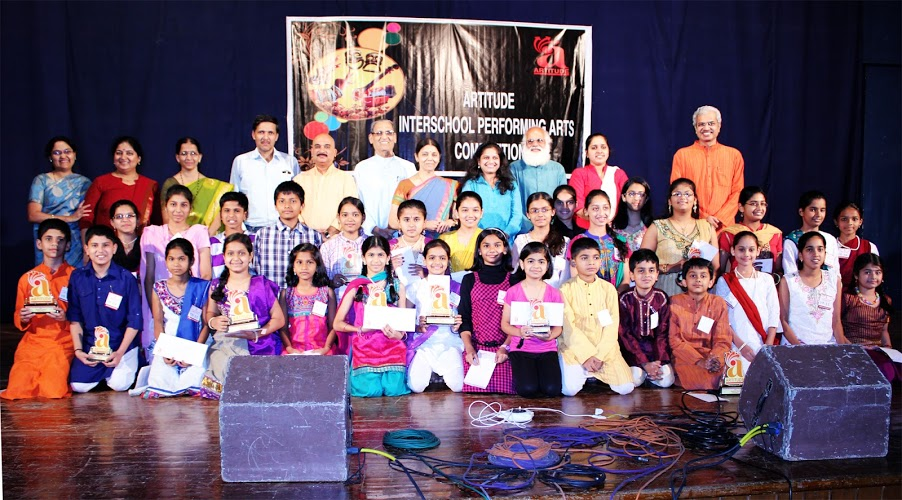 Prize distribution group photo of artitude performing arts competition